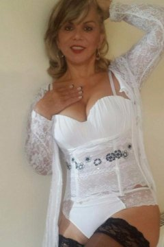Mature Claudia (Dublin Escort)