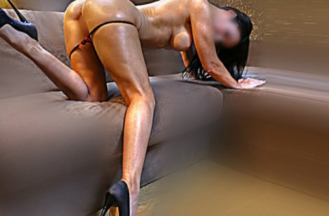 Lady Victoria - escort in Grand Canal Dock