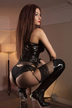 Dominatrix Inna (Belfast Escort)